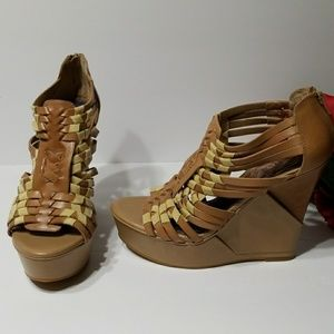 Gianni Bini Shoes - Gianni Binni shoes( Wedges)